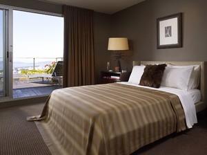 Коричневая спальня с оттенком осени