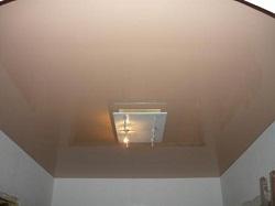 Недостатки и проблемы с натяжными потолками