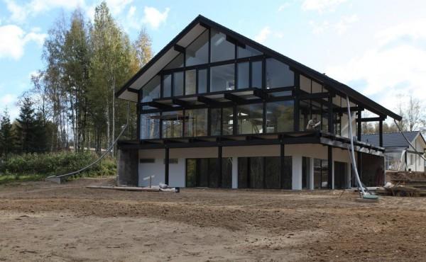 Стеклянный фасад: плюсы, минусы и варианты оформления